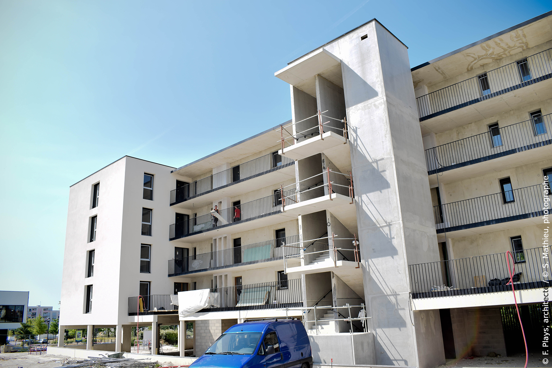 Logements collectifs la chapelle st luc alcaline for Piscine la chapelle st luc